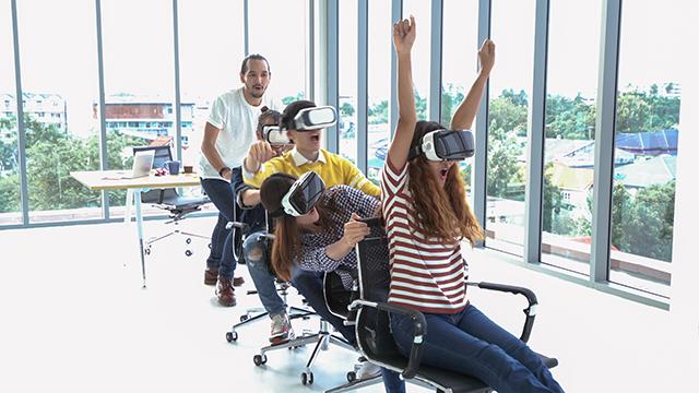 【VR初心者の方へ】VRとは?手軽に楽しめるVRゴーグルを紹介